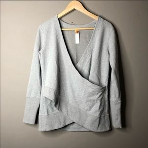 Lucy cross sweater gray long sleeve athletic small